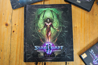 starcraft ii heart of the swarm collector s edition pictures and hands on image 8