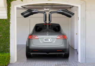 Tesla Model X sedan production delayed until 2014