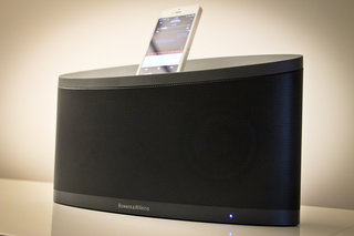 Bowers & Wilkins Z2 iPhone 5 and AirPlay dock pictures and hands-on