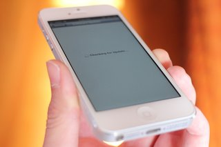 Apple releases iOS 6.1.3, plugging a major lock screen security hole