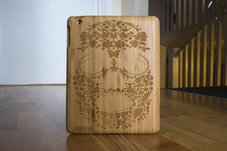 etch laser cut bamboo ipad case looks tres cool personalise your apple device image 1