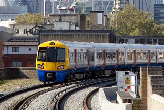 Free Wi-Fi at UK rail stations now unlimited thanks to deal between The Cloud and Microsoft