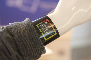 plastic logic shows off colour e paper display smart watch concept the future of wearable tech  image 1