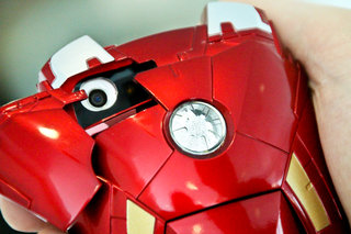 iron man mark vii iphone 5 case pictures and hands on image 5