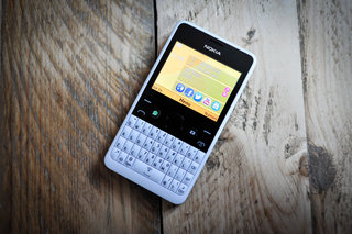 nokia asha 210 pictures and hands on image 2