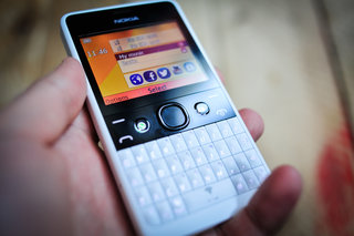nokia asha 210 pictures and hands on image 7