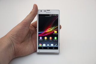 Sony Xperia SP now available in the UK at Orange and T-Mobile