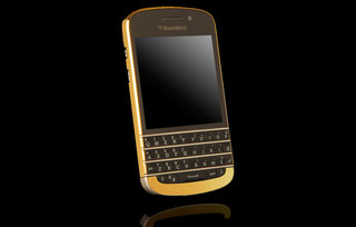 BlackBerry Q10 now comes in gold...for £1.5k