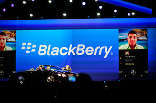 BlackBerry conducts first phone to car video call via BB10-powered Bentley