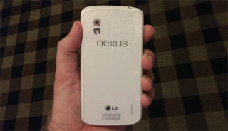 White Nexus 4 with Android 4.3 to be released 10 June on Google Play?