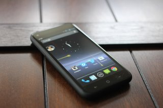 EE confirms 'holding off launching the HTC First in the UK'