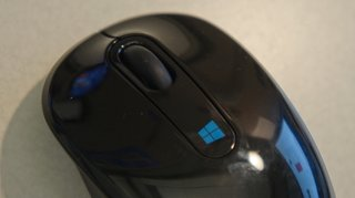 microsoft unveils two new sculpt mice with windows 8 button image 3