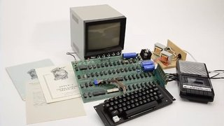 Apple-1 sells for record $666,000