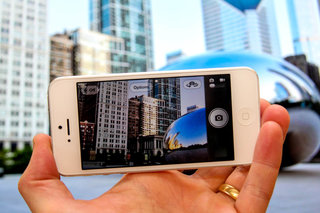 Chicago newspaper believes iPhone now better than DSLR, fires entire photography staff