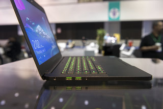 razer blade 14 inch gaming laptop pictures and hands on image 2