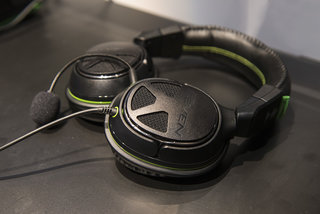 turtle beach xo the official microsoft xbox one gaming headsets we go hands on image 5