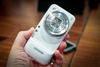 hands on samsung galaxy s4 zoom review image 2