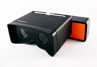 turn your iphone into a 3d camera with poppy a hark back to the view master 3 d image 2