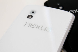 White Nexus 4 not only sells out, but is now no longer available