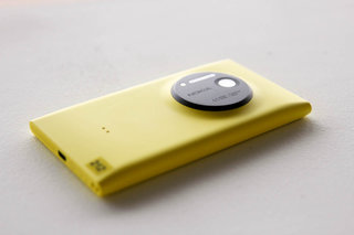 Nokia Lumia 1020 pictures and hands-on