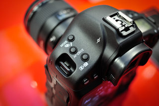 Canon allegedly testing 75-megapixel Pro DSLR camera
