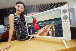 LG Classic TV combines modern 32-inch HD LCD with 70s retro design