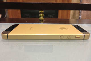 gold iphone 5s shell leaked alongside component parts  image 10