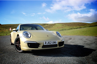 porsche 911 carrera 4s review image 4