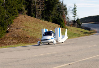 terrafugia transition flying car takes to the skies image 1