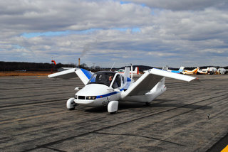 terrafugia transition flying car takes to the skies image 4