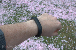 nike fuelband jawbone up fitbit flex misfit shine bowflex boost which sports band to choose image 12