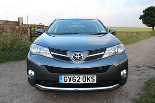 toyota rav4 icon 2 2 diesel 4x4 review image 4