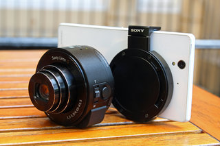 Sony QX10 and QX100 lens-style cameras focus on quality smartphone pictures