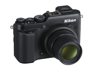 Nikon Coolpix P7800 adds a viewfinder to its high-end compact camera