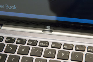 asus transformer book t300 hands on move over surface asus wins at hd laptop meets tablet design image 6