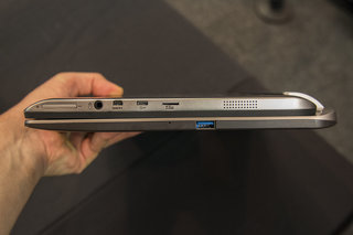 toshiba satellite w30t hands on laptop tablet hybrid pushes the budget angle image 5