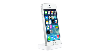 accessorising apple launches dock and cases for iphone 5s 5c image 3