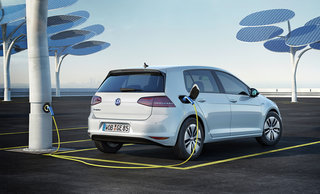 VW unveils electric e-Golf and e-up! cars with 190 km range and £2.76 / 100 km running cost