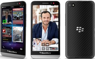Pick up a BlackBerry Z30 early on 27 September with Carphone Warehouse and Selfridges