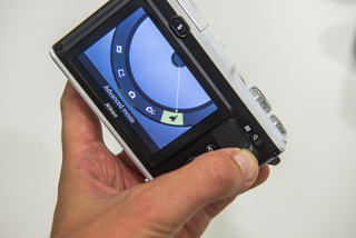 nikon 1 aw1 hands on with the world s first waterproof compact system camera image 9