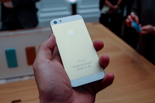 Gold iPhone 5S snags $10,000 on eBay: Do they know it's not real gold?