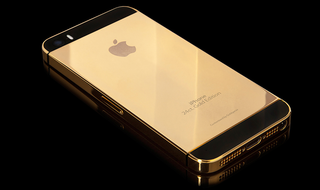 gold iphone 5s snags 10 000 on ebay do they know it s not real gold  image 2