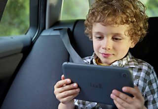 Kids giving up their mobile phones for tablets, says Ofcom report
