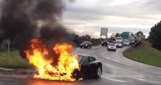 Tesla Model S catches fire, thanks to punctured battery