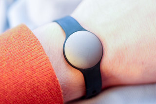 misfit shine personal physical activity monitor review image 3