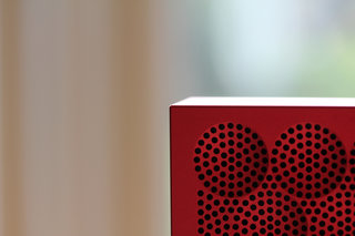 jawbone mini jambox big sound small package video and pictures  image 8