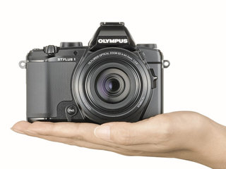 Olympus Stylus 1: Compact camera pools XZ-2 sensor in OM-D clothing with 28-300mm f/2.8 lens