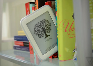 Barnes & Noble reveals new lighter, brighter, higher resolution Nook Glowlight