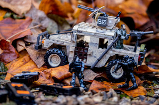 hands on mega bloks call of duty collector construction sets review image 2