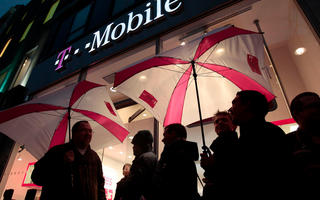 T-Mobile US 'UNcarrier' movement seems to be working, posts improved earnings